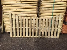 Pressure Treated Picket Panel Round top pail